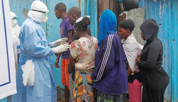 ebola025
